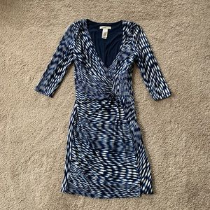 Laundry by Design Wrap Front Dress Size 2